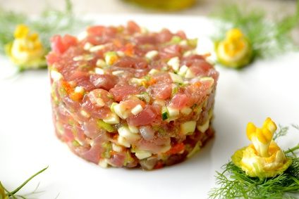 Ibiza Food And Drinks Delivery | By El Catering Francés - TARTAR ATUN ROJO, MANGO, AGUACATE..